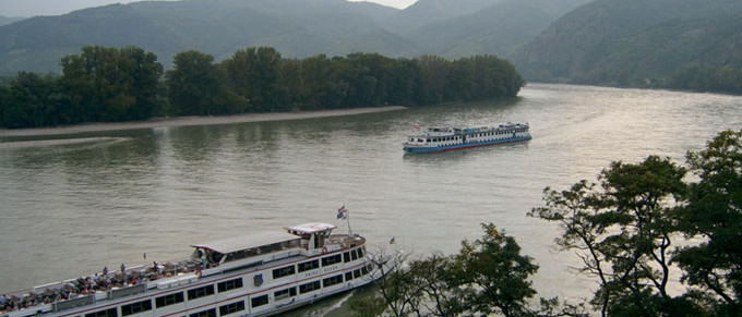 excursion vienna danube valley wachau