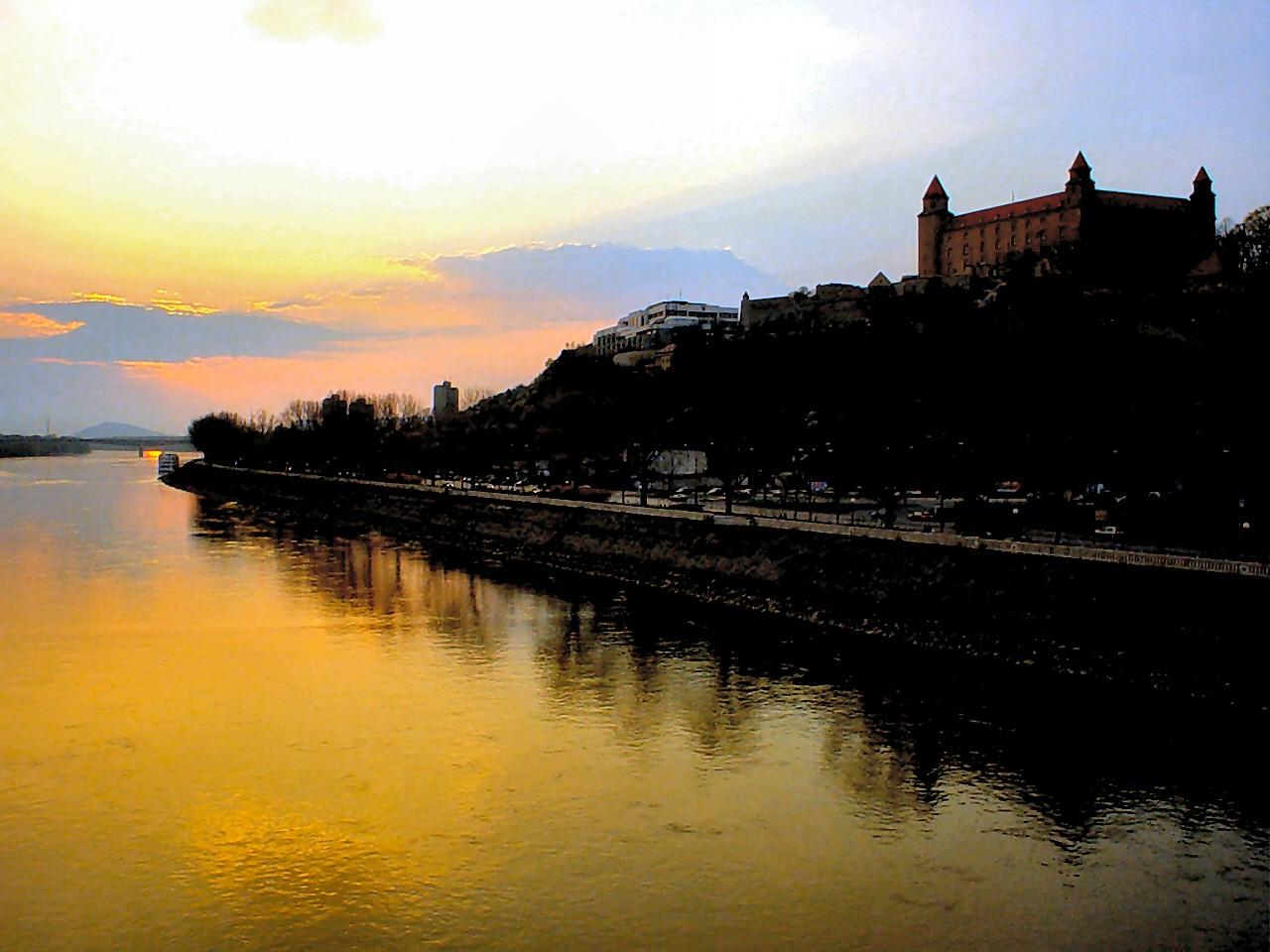 Wien - Bratislava Donau-Rundfahrt
