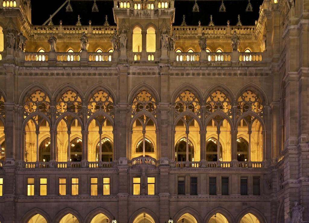 Vienna Guidata: Vienna di notte, il municipio